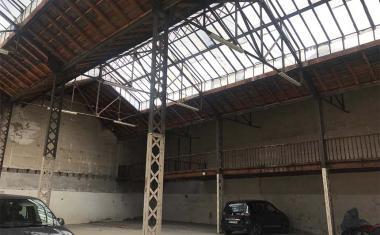Décor pour votre tournage : ancien hangar industriel à Toulouse